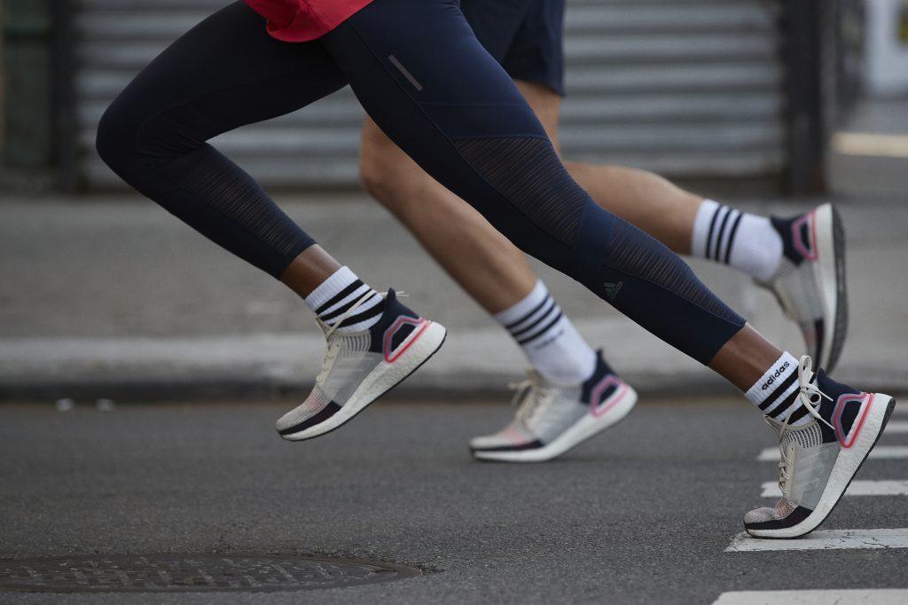Tênis de corrida da Adidas Ultraboost 19