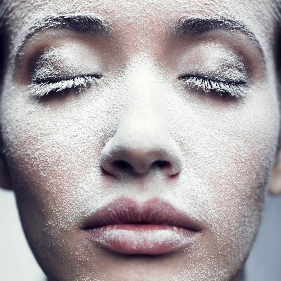 Esta máscara caseira de abacate ajuda a recuperar a pele ressecada pelo frio
