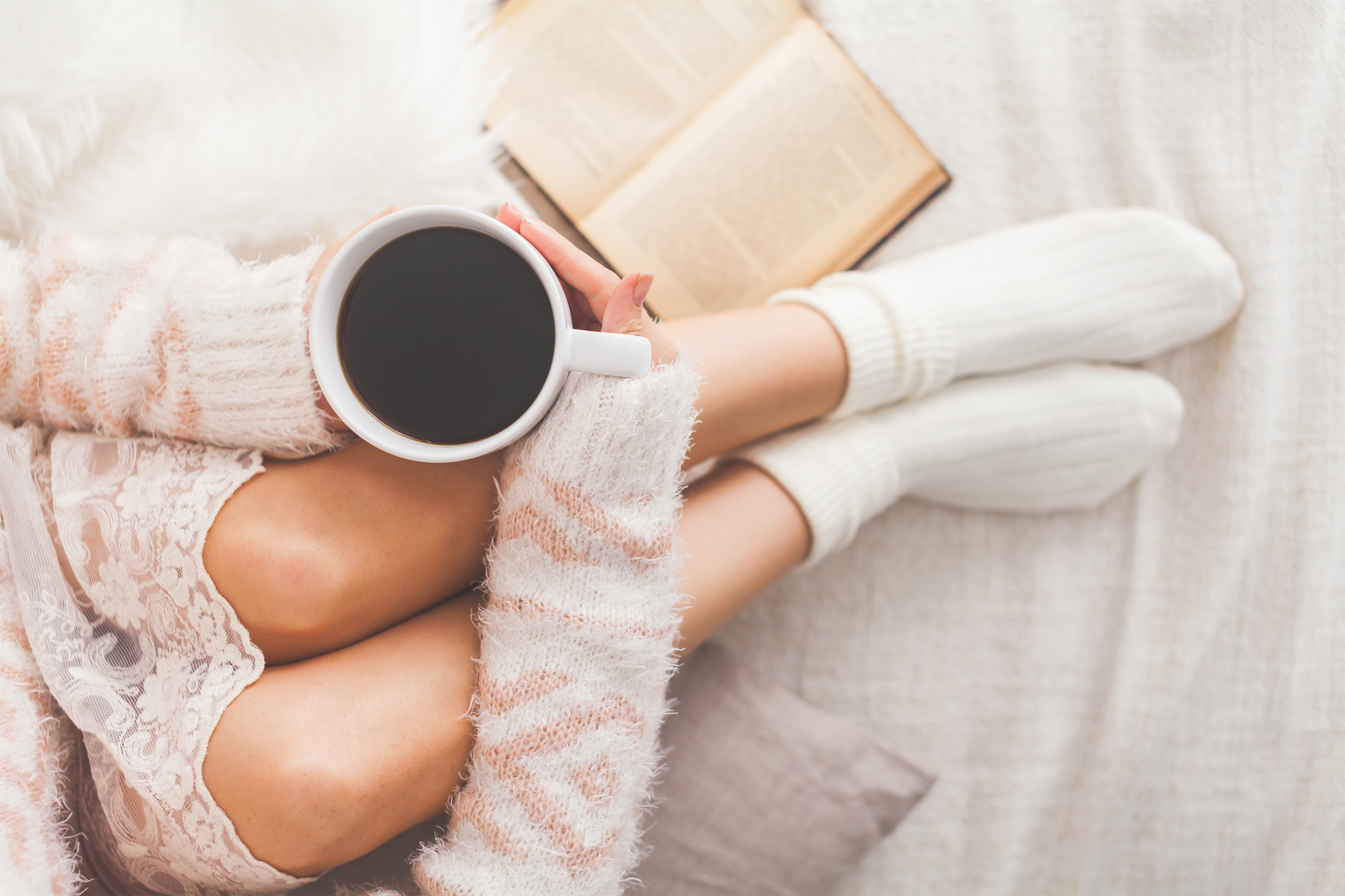 Como deixar a cama quentinha e dormir melhor no frio