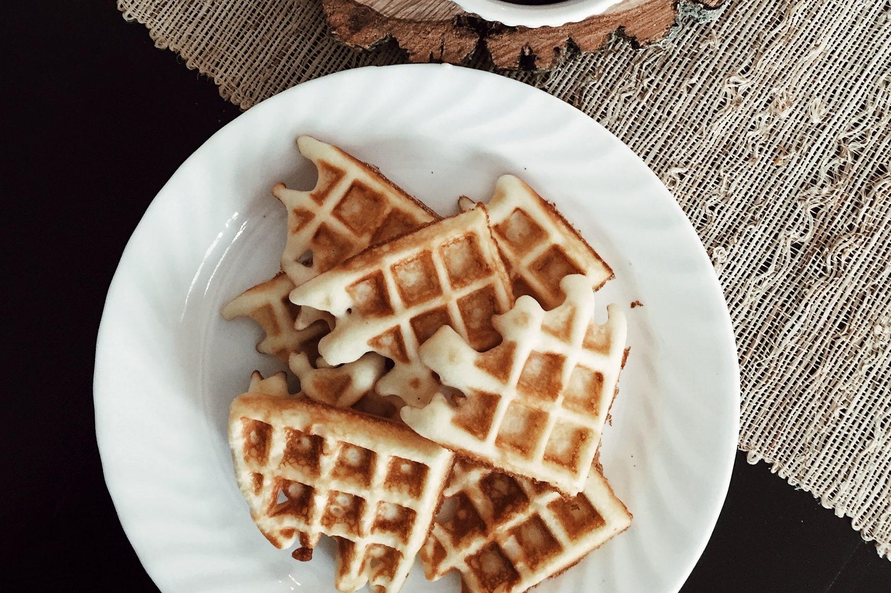 Receita de waffle de pão de queijo para café da manhã funcional e gostoso