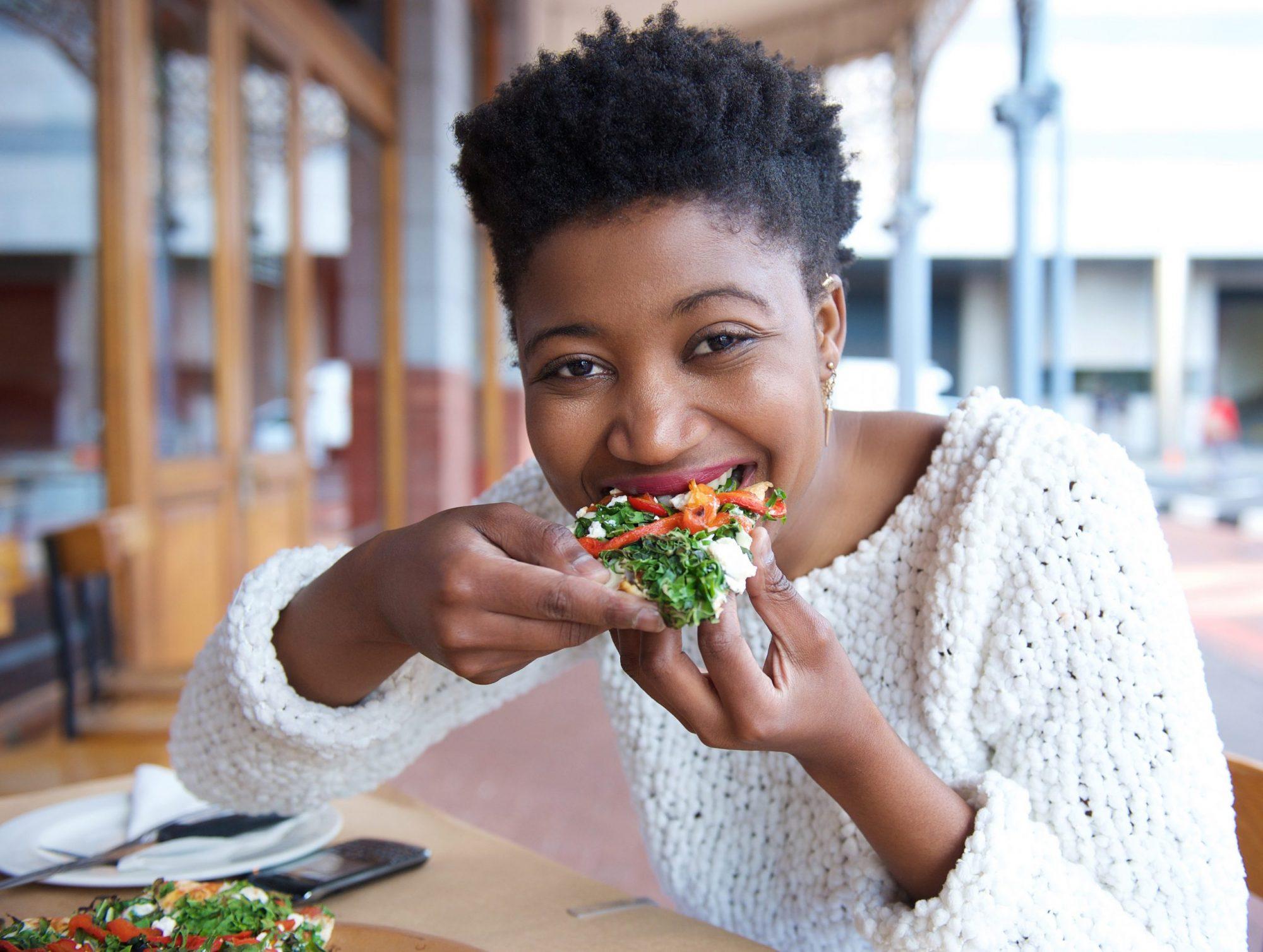Fome emocional ou fome fisiológica? Aprenda a diferenciar com o mindful eating