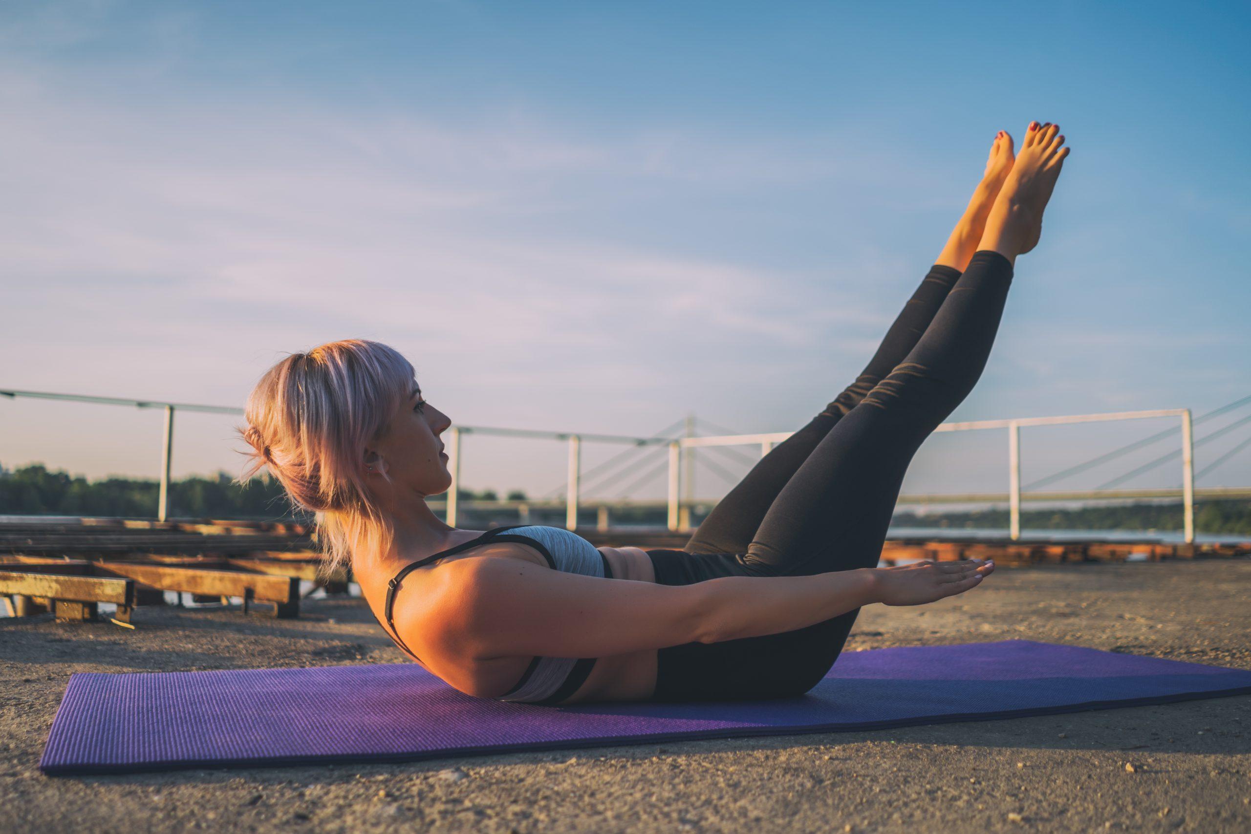 Hundred: como fazer e quais os benefícios do exercício mais famoso do pilates