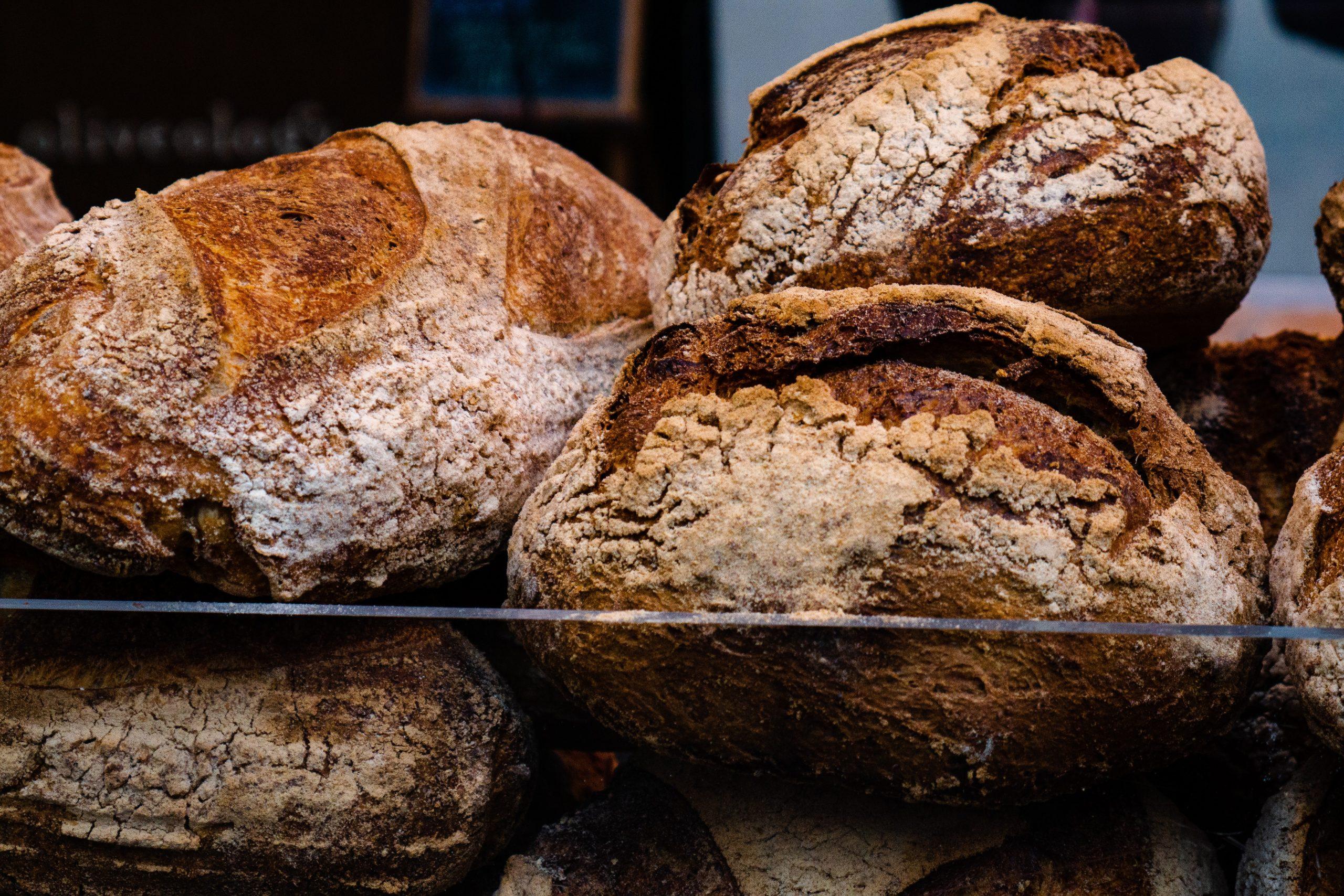 Esta receita de pão australiano caseiro é gostosa e funcional