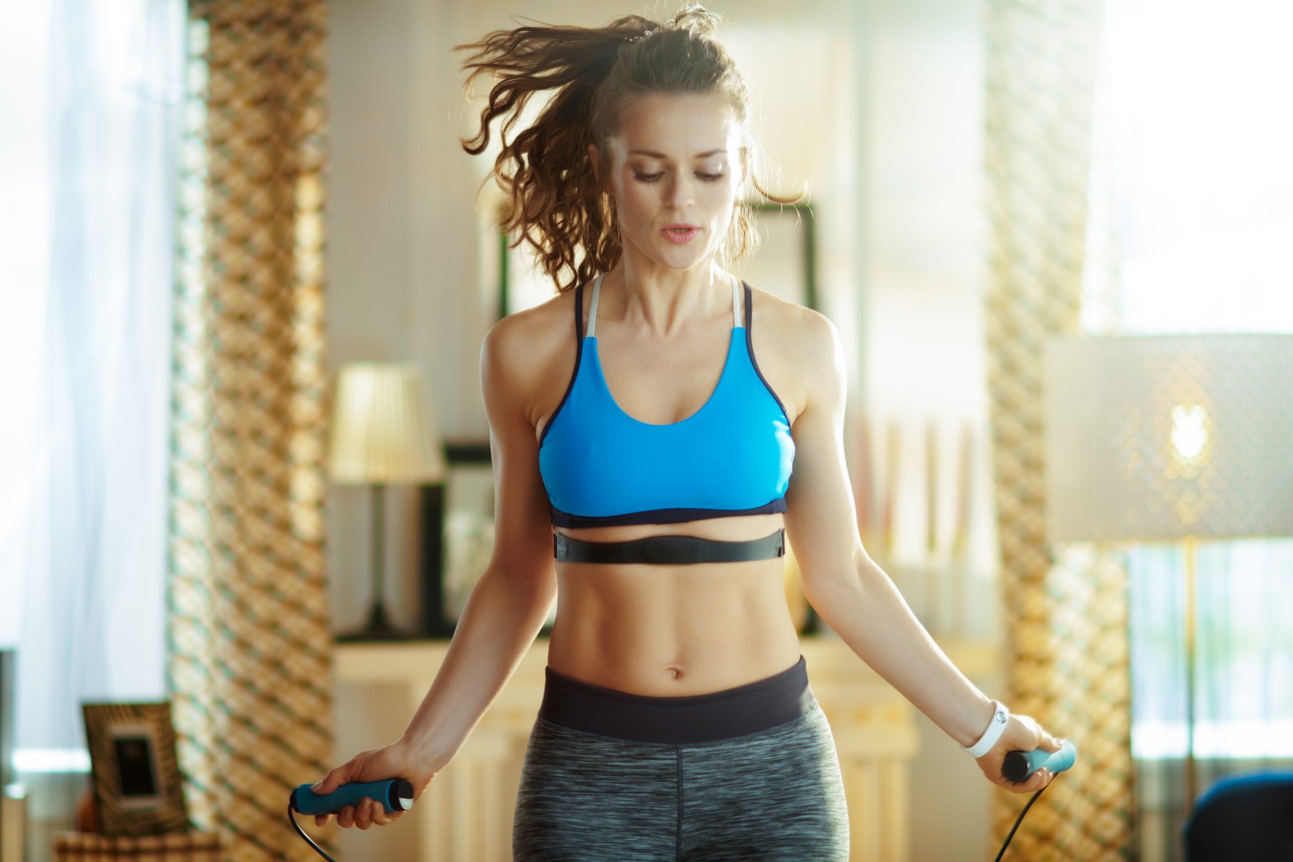 Treino HIIT com corda: 20 minutos para queimar calorias e melhorar o condicionamento físico